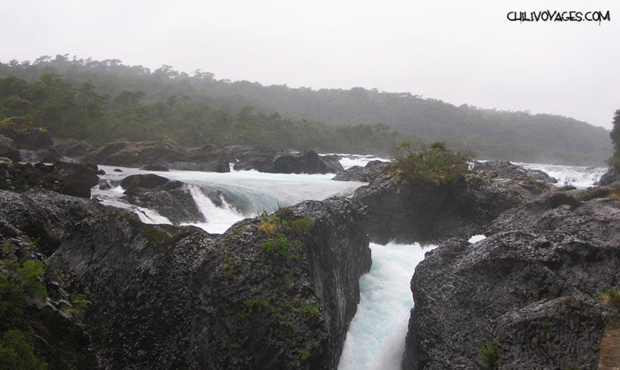 chutes d'eau Vicente Perez Rosales
